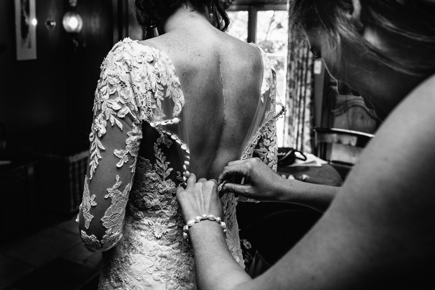 nico van moorhem spike huwelijksfotograaf trouwkleed